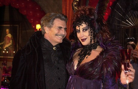 De 2002, 'O beijo do vampiro' trouxe a atriz como a vampira Mina. A personagem foi seduzida por Bóris, vivido por Tarcísio Meira Divulgação/Gianne Carvalho