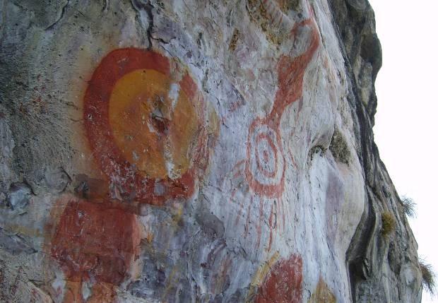 Pinturas ruprestres em sítio arqueológico de Monte Alegre, no oeste paraense. (Foto: Cassia Rosa/Arquivo pessoal)