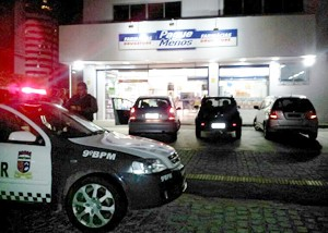 Assalto é o terceiro a mesma rede em dois dias em Natal (Foto: Sérgio Costa/Portal BO)