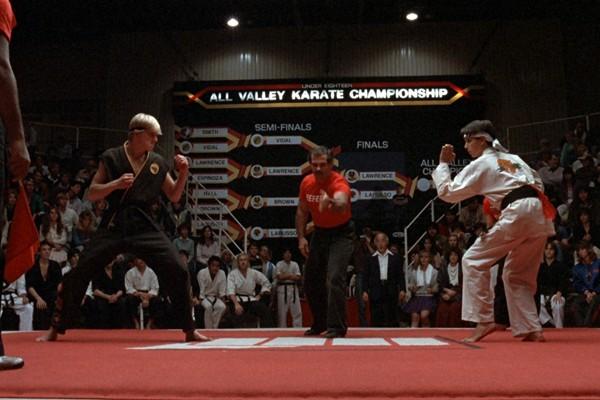 Ralph Macchio e William Zabka no confronto final de Karatê Kid (1984) (Foto: Reprodução)
