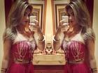 Kelly Key faz selfie com vestido vermelho e ganha elogios