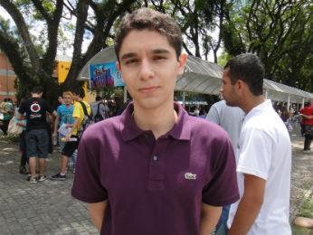 Guilherme Santos Piedade, de 18 anos, quer fazer medicina (Foto: Bibiana Dionísio/ G1 PR)