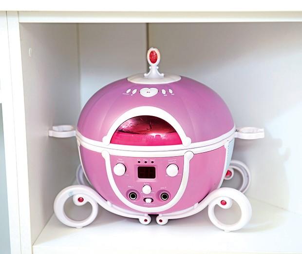Estantes: espaço para os brinquedos   (Foto:  )