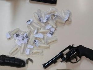Drogas foram apreendidas em Rio das Ostras (Foto: Divulgação PM)