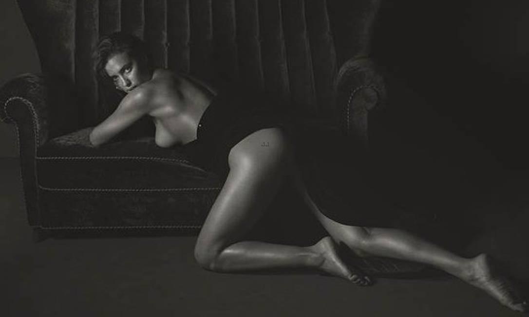 Irina Shayk na GQ Italiana (Foto: Mario Sorrenti)