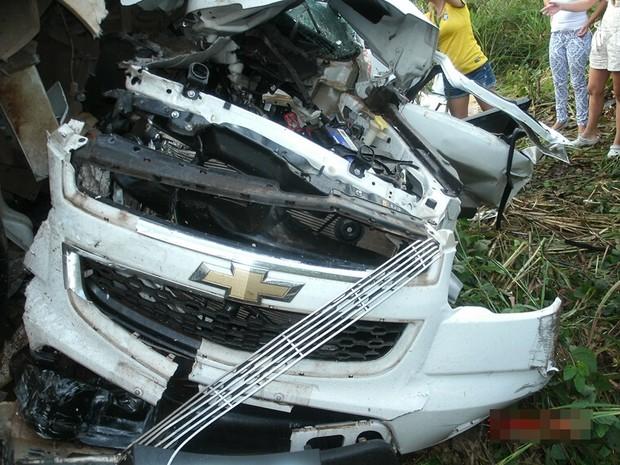 PRF suspeita que o motorista da camionete perdeu o controle do veículo (Foto: Divulgação/PRF-TO)
