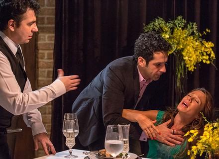 Tancinha deixa Beto constrangido durante jantar