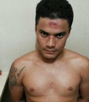 Um dos foragidos seroa Valterlins Morales condenado por roubo (Foto: Divulgação/)