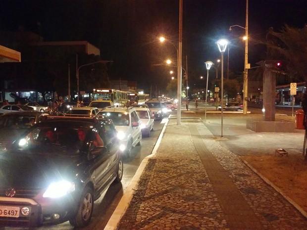 Avenida Frei Serafim com trânsito congestionado (Foto: Fernando Brito/G1)
