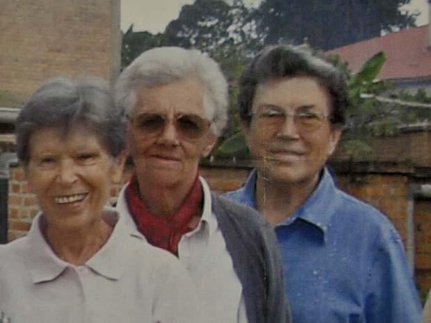 Foto de arquivo divulgada por missionários do convento de Parma, na Itália, mostra as três freiras que apareceram mortas no Burundi nesta segunda (8); da esquerda para a direita, Bernardetta Boggian, Olga Raschietti e Lucia Pulici (Foto: AP Photo/Saverian Missionaries, HO)