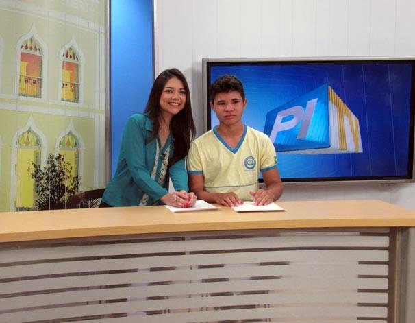 Projeto 'Amigos da TV Clube' promove a visita de estudantes na sede da afiliada Globo no PI (Foto: Katylenin França/TV Clube)