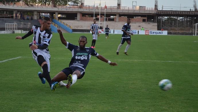 Zagueiro Wanderlan por pouco também não fez um gol no jogo (Foto: Dominique Cavaleiro/GloboEsporte.com)