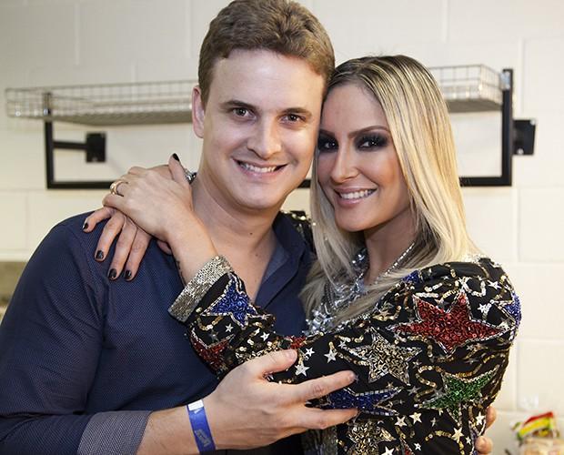 Claudia Leitte e o irmão Claudio Jr (Foto: Fabiano Battaglin/TV Globo)