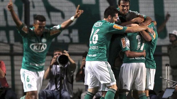 Charles gol Palmeiras Libertad (Foto: Reuters)