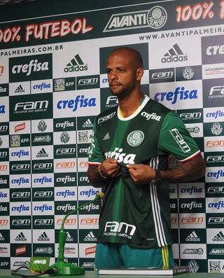 Felipe Melo com a camisa do Palmeiras (Foto: Felipe Zito)