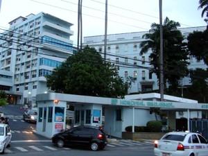 Setor de emergência de hospital foi fechado (Foto: Ruan Melo/G1)