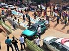 Moradores protestam após jovem morrer a caminho de hospital em MT