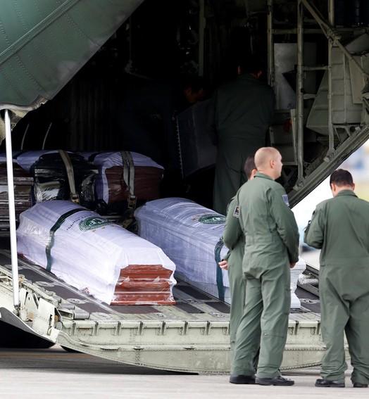 voo do luto (Reuters)