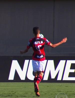 Jorginho, meia do Atlético-GO (Foto: Reprodução/Globo)