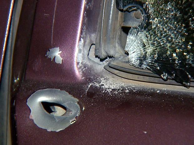 Carro do agente penitenciário de Campinas morto na noite de terça-feira (Foto: Reprodução EPTV)