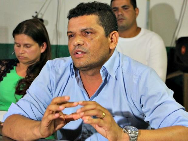 Rivelino Mota - prefeito de Santa Rosa do Purus (Foto: Sandra Brito/Arquivo pessoal)