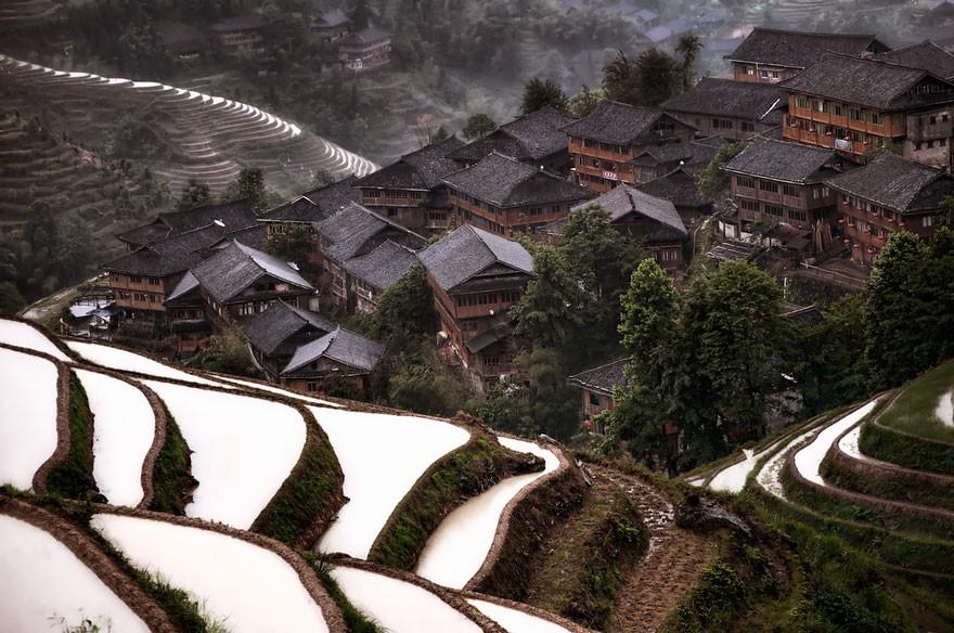 Uma vila montanhosa na China (Foto: Divulgação)