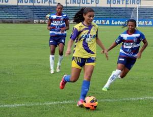 Tiradentes-PI x Vitória-PE (Foto: Josiel Martins )