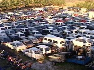 Detran-ES divulga lista com 2,3 mil veículos aptos a serem leiloados (Foto: Reprodução/TV Gazeta)