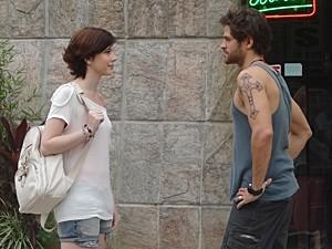 Moisés não aceita o fora de Alexia (Foto: Malhação / TV Globo)
