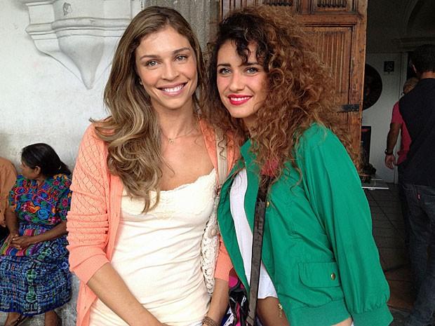 Grazi e Florecita promovem um encontro de misses (Foto: Flor do Caribe/TV Globo)