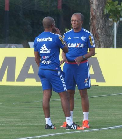 Cristóvão Borges e Jayme de Almeida conversam no Ninho (Foto: Richard Souza/GloboEsporte.com)
