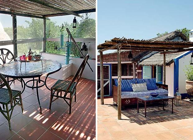 Mesa com tampo de mosaico e base de ferro e cadeiras de madeira ocupam o terraço, onde a pausa para uma bebida refrescante, no fim de tarde, é para lá de reparadora (Foto: Casa e Jardim)