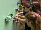 Alunos de escola particular ajudam outros de escola pública no RS
