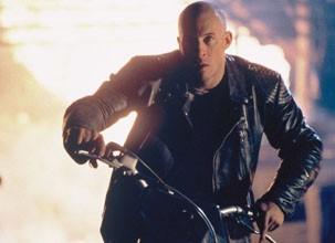 A manobra que Xander usa para escapar do celeiro foi inédita no cinema (Foto: Divulgação / Reprodução)