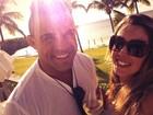 Vítor Belfort posta foto romântica com Joana Prado: 'Lua de mel em família'