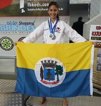 Monã consegiu o terceiro lugar no Kumite - 11 a 12 anos (Foto: Divulgação/ Lorena de Oliveira)