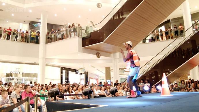 Luis Miranda arranca gargalhadas do público  (Foto: Se Liga VM)