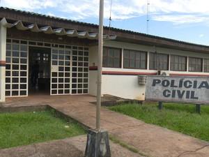 Crime foi registrado na delegacia regional de Pimenta Bueno (Foto: Rogério Aderbal )