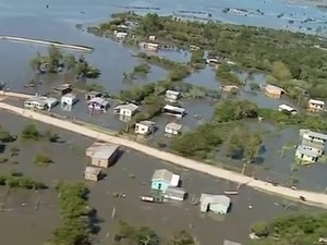 Alagamentos tomam conta de Rio Grande (Foto: Reprodução/RBS TV)
