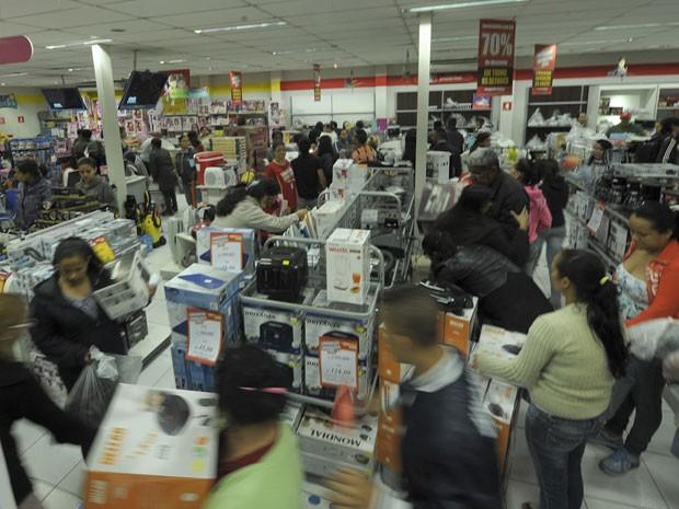 Magazine colocou produtos com até 70% de desconto (Foto: Flávio Moraes/G1)
