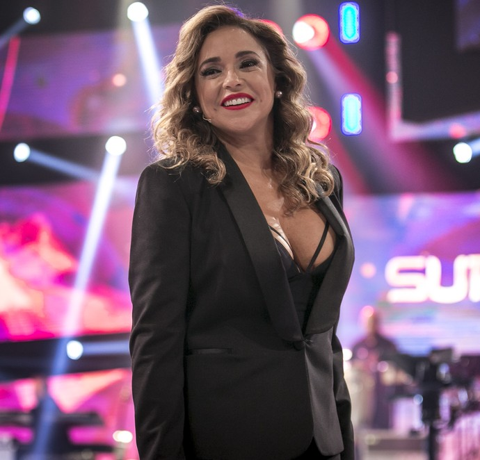 Daniela Mercury arrasou no decote (Foto: Isabella Pinheiro/Gshow)