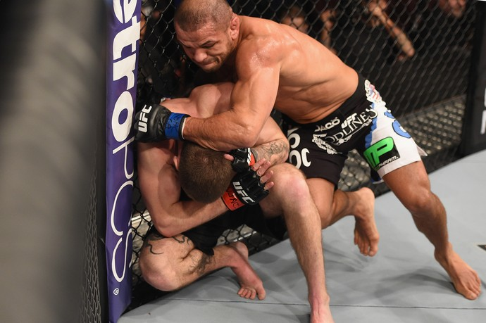 Jordan Mein x Thiago Alves, UFC 183 (Foto: Getty Images)