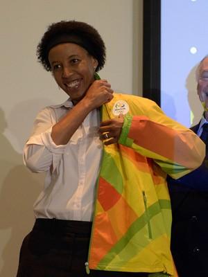 Janeth Arcain como prefeita da Vila Olímpica, ao lado de Carlos Arthur Nuzman (Foto: André Durão)
