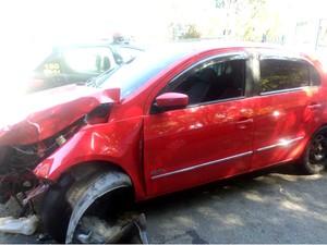 Motorista embriagado bateu duas vezes no bairro Eucaliptal (Foto: Divulgação/Guarda Municipal)
