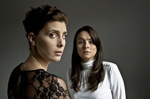 As atrizes Ana Paula Grande e Bruna Anauate em cena do espetáculo (Foto: Divulgação)