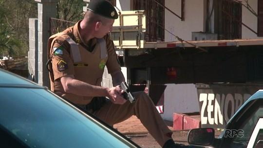 PM faz reconstituição da morte de jovem baleado por policial em Turvo