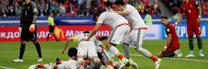 comemoração após gol de Héctor Moreno, Portugal x México (Foto: REUTERS/Darren Staples)