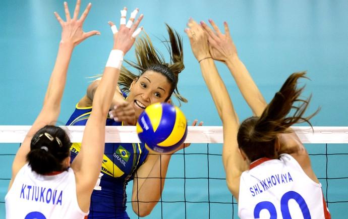 Tandara vôlei Brasil feminino na Suíça (Foto: EFE)