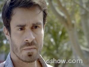 João Luiz não quer saber de explicações e manda Raquel sumir (Foto: Malhação / TV Globo)