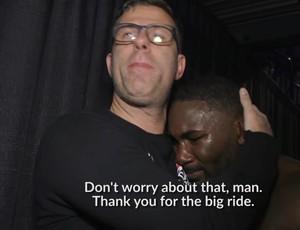 """BLOG: Bastidores do UFC 210 mostram Johnson aos prantos: """"Cometi um erro"""""""
